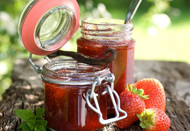 How to Make Jam   Ways To Make Money While Homesteading 17 Homesteading Tips For The All-Around Pioneer Settler   Back To Basics