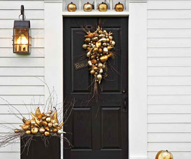 Shimmering Gilded Décor | Top Curb Appeal Ideas For Your Home This Fall